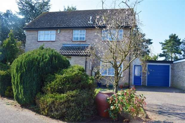 4 Bedrooms Detached House for sale in Nunnery Drive, Thetford, Norfolk