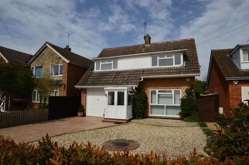 4 Bedrooms Detached House for sale in St Helen's Avenue, Benson, Wallingford, OX10