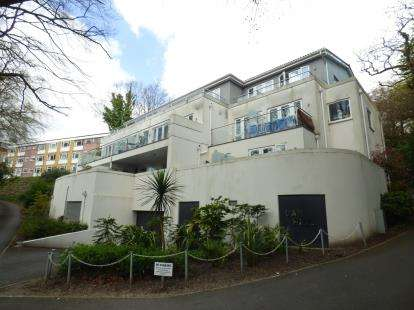 3 Bedrooms Flat for sale in 59A Bournemouth Road, Poole