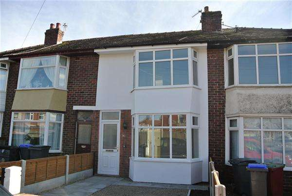 3 Bedrooms Terraced House for sale in Falkland Avenue, Blackpool