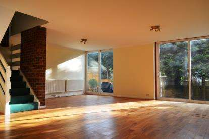 4 Bedrooms Detached House for sale in Kynaston Wood, Harrow, Middlesex