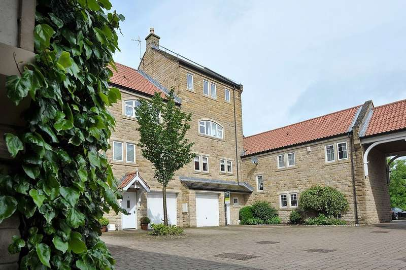 4 Bedrooms Town House for sale in Micklethwaite Steps, Wetherby, LS22 5LD
