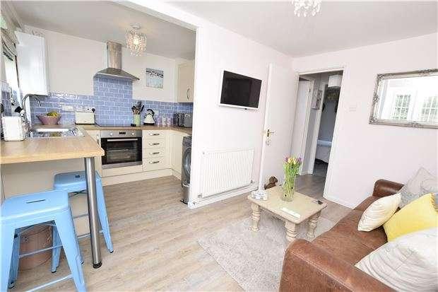 1 Bedroom Flat for sale in Bath Road, Bitton, BRISTOL, BS30 6HS
