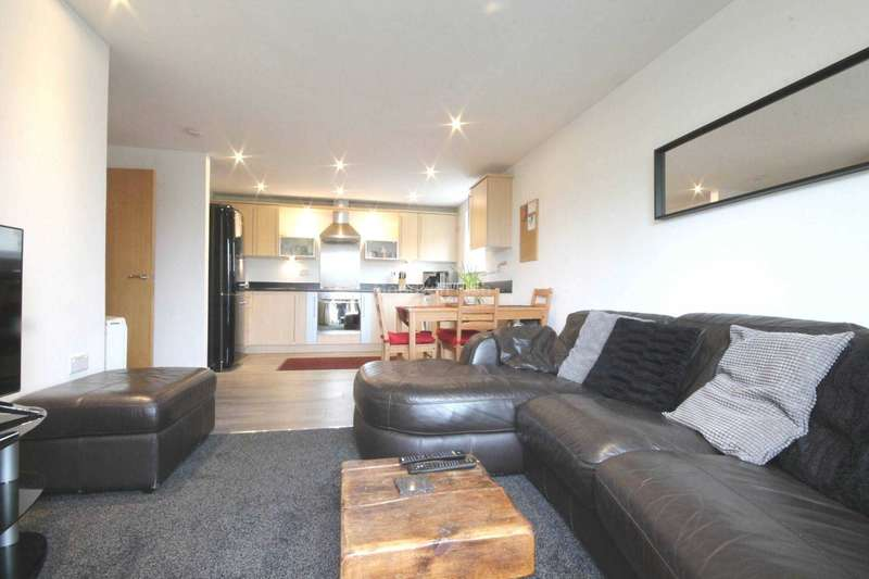 3 Bedrooms Apartment Flat for sale in Platt House. 5 Elmira Way, Salford