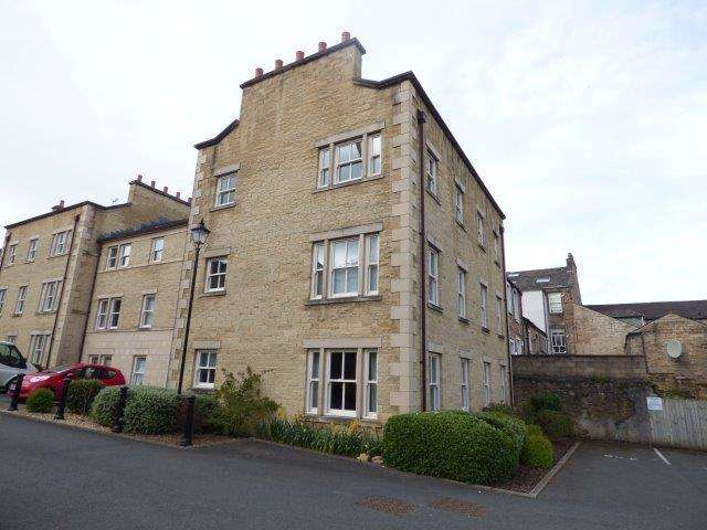 2 Bedrooms Flat for sale in Henry Street, Lancaster, LA1 1BW