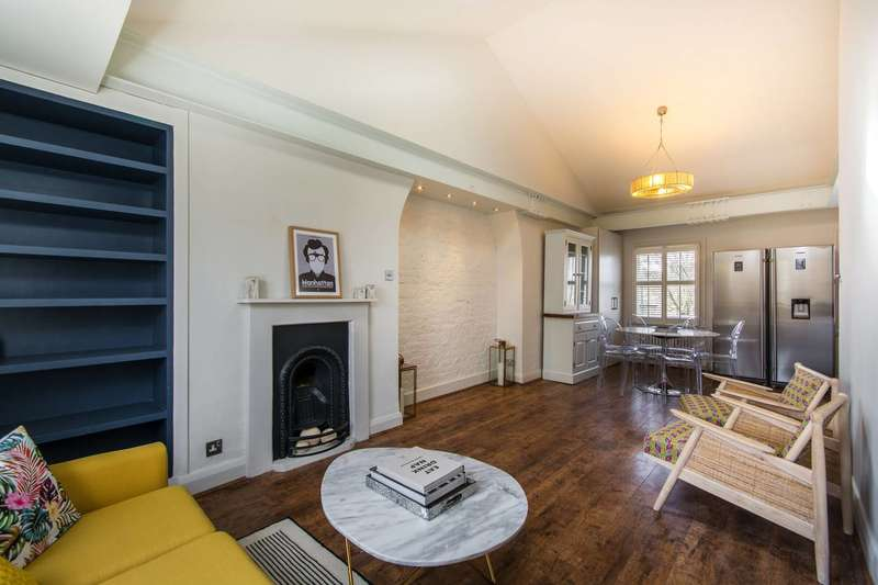 3 Bedrooms Maisonette Flat for sale in Rectory Grove, Clapham Old Town, SW4