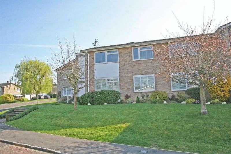2 Bedrooms Flat for sale in Ingleglen, Farnham Common