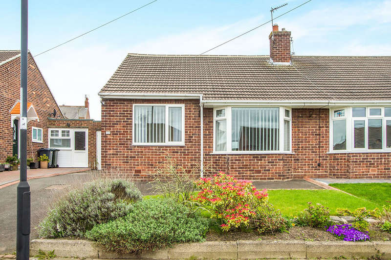 2 Bedrooms Semi Detached Bungalow for sale in Rayleigh Drive, Wideopen, Newcastle Upon Tyne, NE13