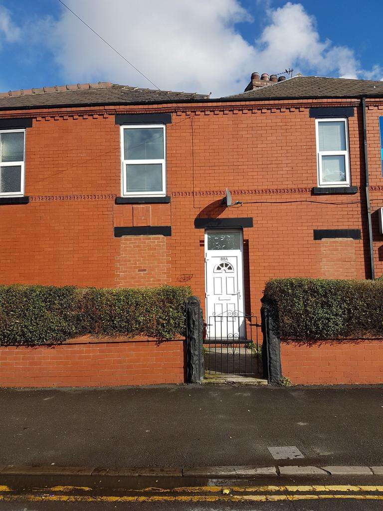 2 Bedrooms Flat for rent in Liverpool Road, Cadishead, Manchester