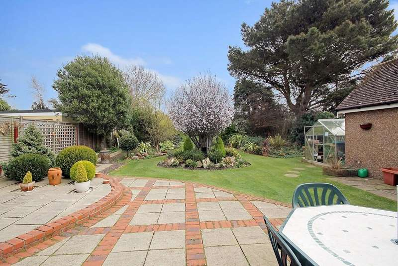 4 Bedrooms Detached House for sale in Grinstead Lane, Lancing, BN15 9DT