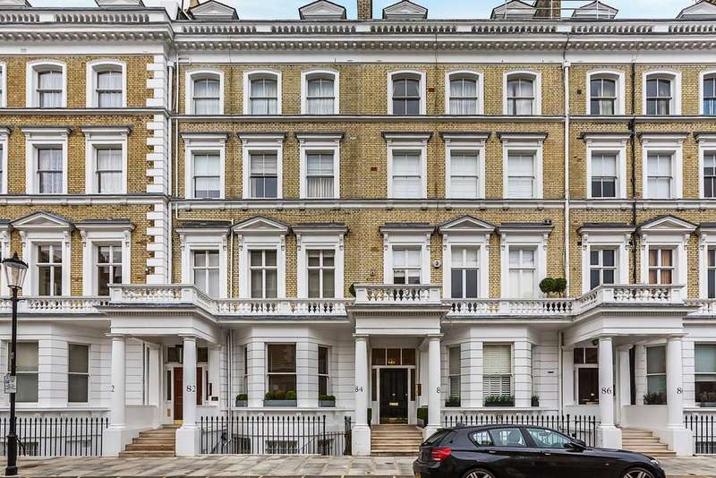 2 Bedrooms Flat for sale in Onslow Gardens, London. SW7