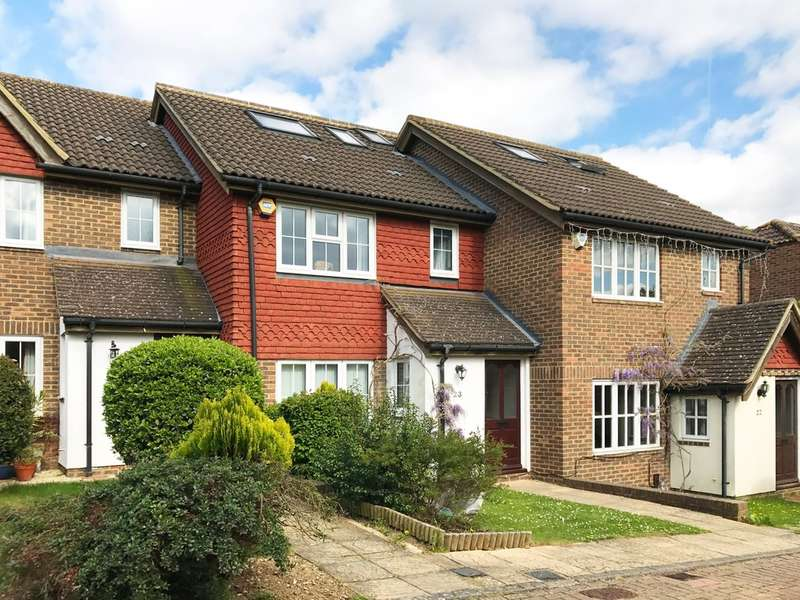4 Bedrooms Terraced House for sale in Heatherfold Way, Pinner