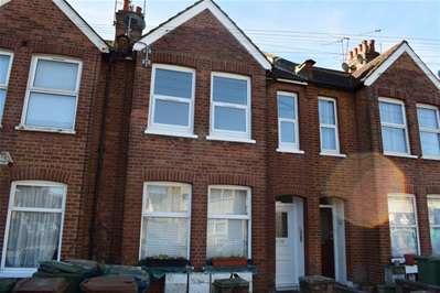 2 Bedrooms Flat for sale in Rosslyn Crescent, Harrow