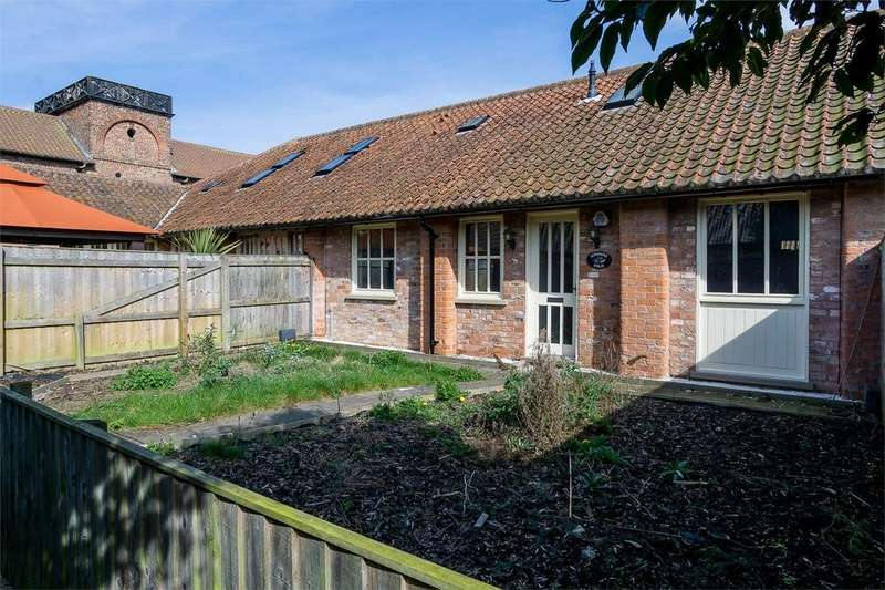 4 Bedrooms Cottage House for sale in Enholmes Lane, Patrington, East Riding of Yorkshire
