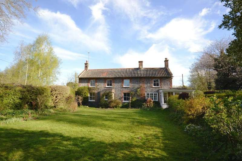 3 Bedrooms Cottage House for sale in Alby Hill, Alby, Norfolk