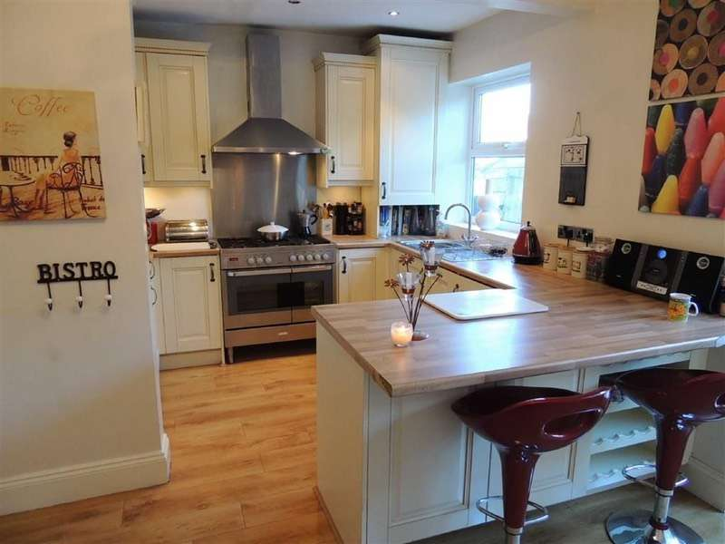 3 Bedrooms Semi Detached House for sale in Cynthia Drive, Marple, Cheshire, SK6