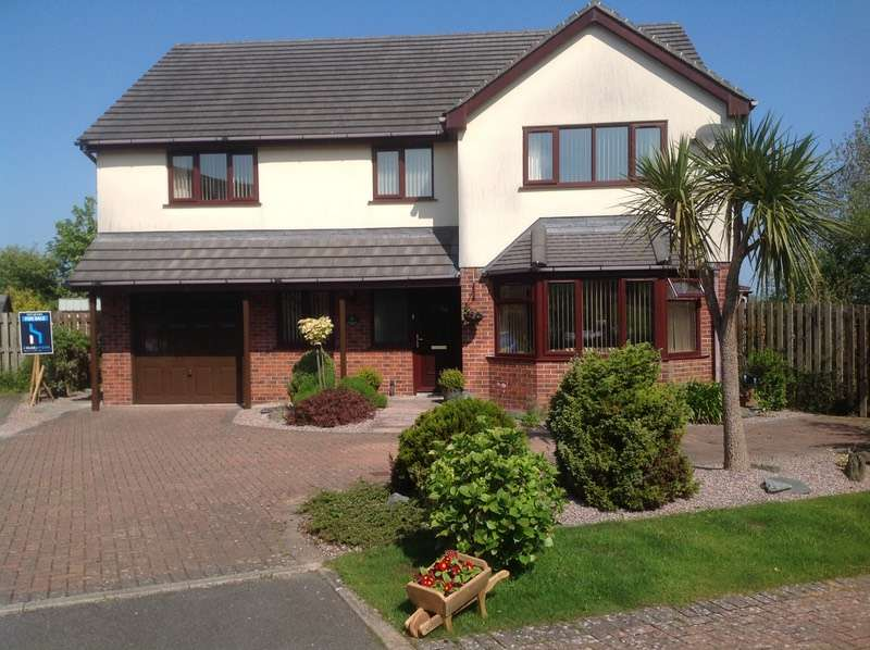 4 Bedrooms Detached House for sale in Swn Y Don, Benllech, Anglesey, LL74