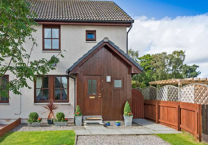 2 Bedrooms Semi Detached House for sale in Davis Drive, Alness, Highland, IV17