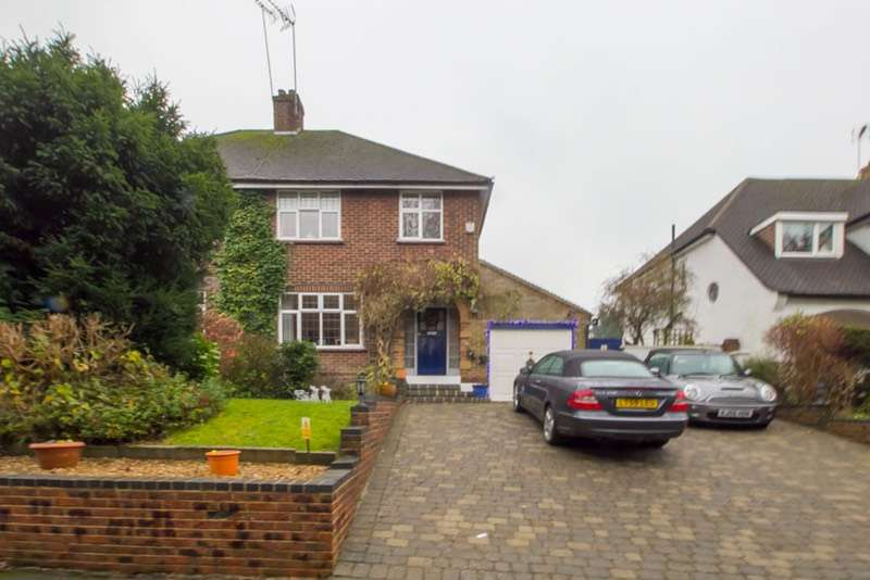 3 Bedrooms Semi Detached House for sale in Downs road, Coulsdon, Surrey, CR5