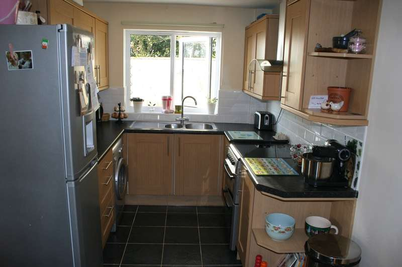 2 Bedrooms Semi Detached House for sale in Broadfields road, gislingham, Suffolk, IP23