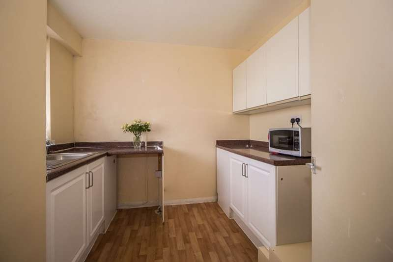 2 Bedrooms Apartment Flat for sale in Winchfield Road, London, London, SE26