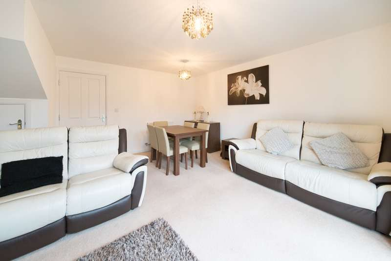 3 Bedrooms Terraced House for sale in Roberts Court, Northwich, Cheshire, CW8
