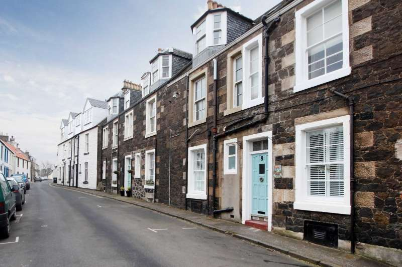 2 Bedrooms Maisonette Flat for sale in 12 Main Street, Lower Largo, Leven, Fife, KY8 6BT