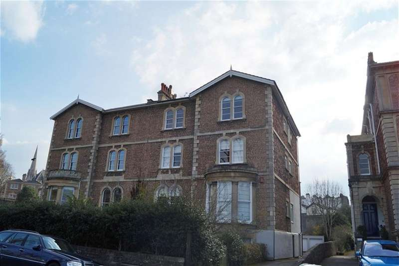 2 Bedrooms Flat for rent in College Road, Clifton, Bristol