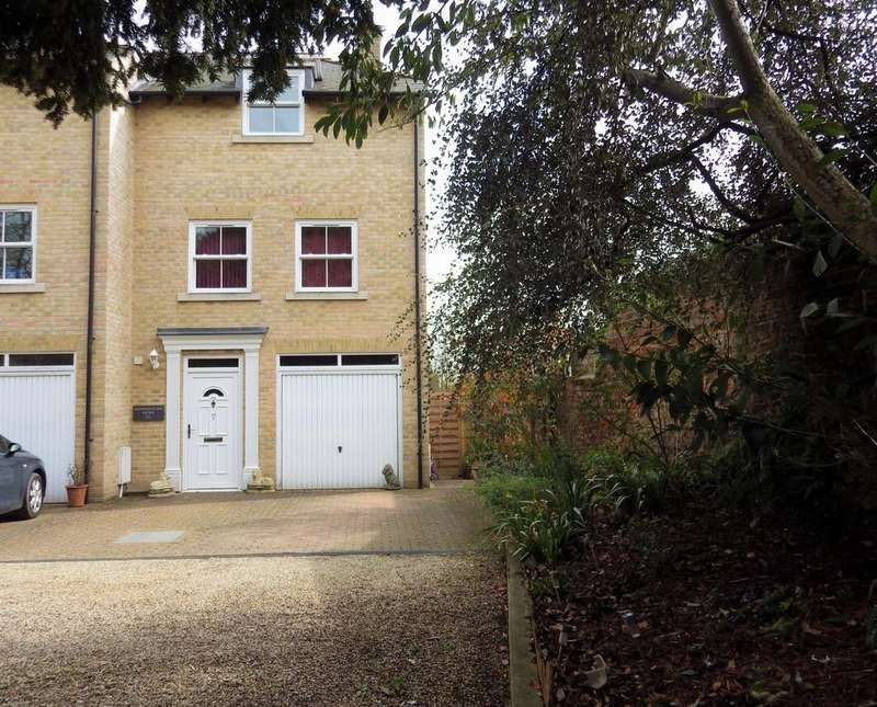 4 Bedrooms Town House for sale in Ipswich Road, Stowmarket IP14