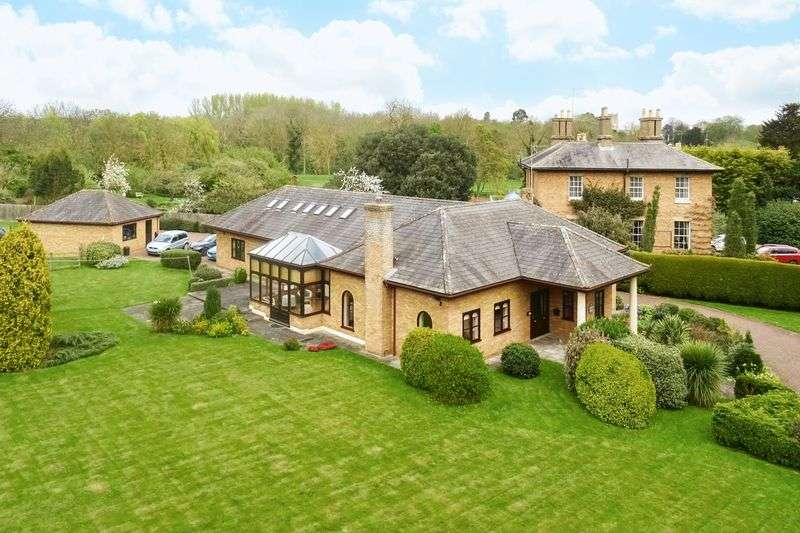 4 Bedrooms Detached House for sale in Infields Road, Glatton