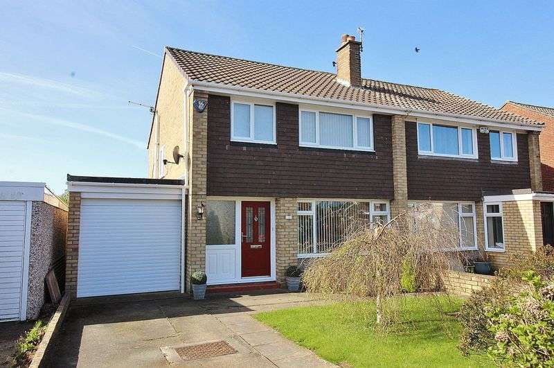 3 Bedrooms Semi Detached House for sale in Easedale Drive, Ainsdale