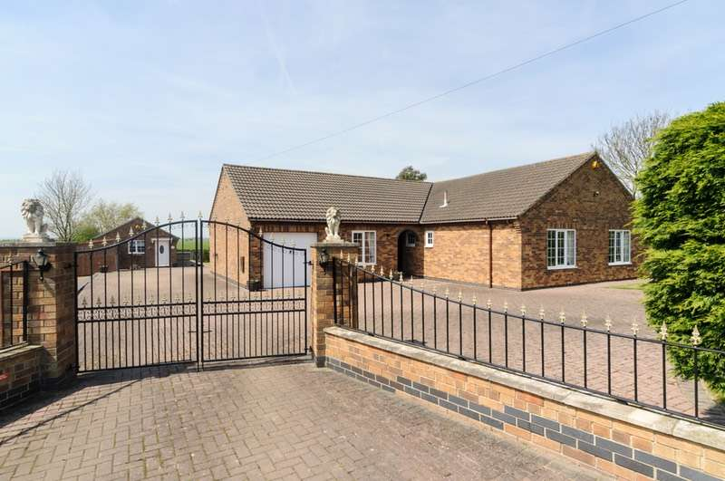 4 Bedrooms Bungalow for sale in Saltfleet, Saltfleet, Lincolnshire, LN11
