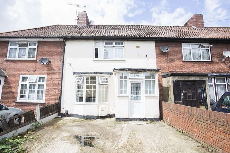4 Bedrooms Terraced House for sale in Porters Avenue, Dagenham, London, RM8