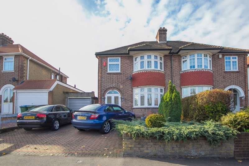 3 Bedrooms Semi Detached House for sale in Sidcup Road, Lee, London, SE12