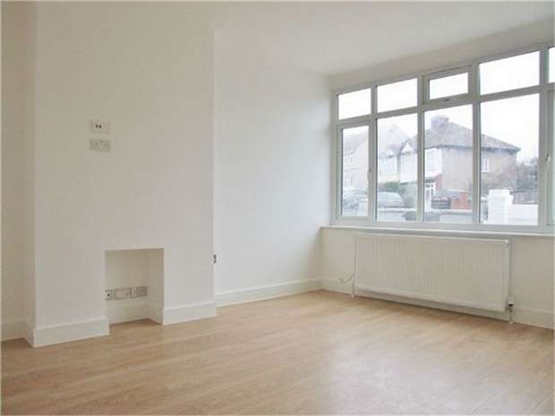 3 Bedrooms Terraced House for sale in Tennison Road, London