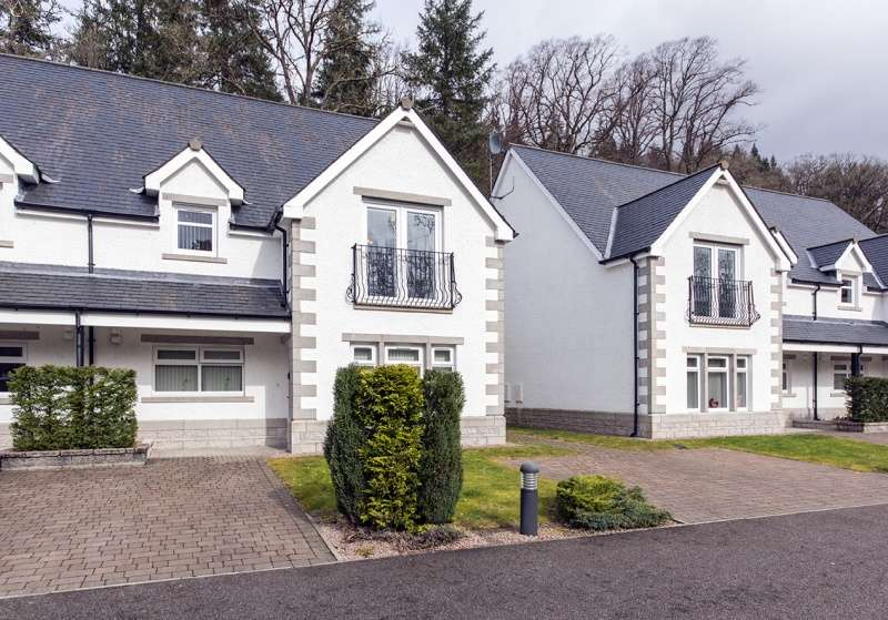 2 Bedrooms Flat for sale in River Court, Invergarry, Highland, PH35 4AA