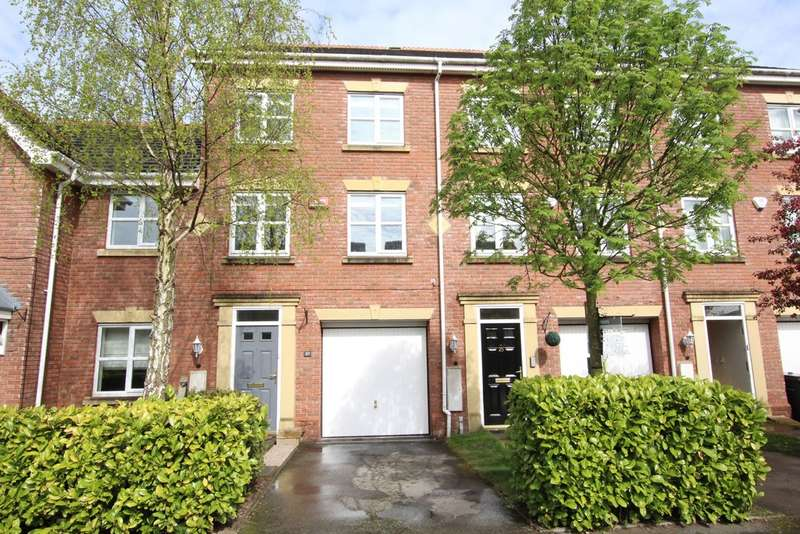 3 Bedrooms Town House for sale in Langley Park Way, Sutton Coldfield, B757 7NX