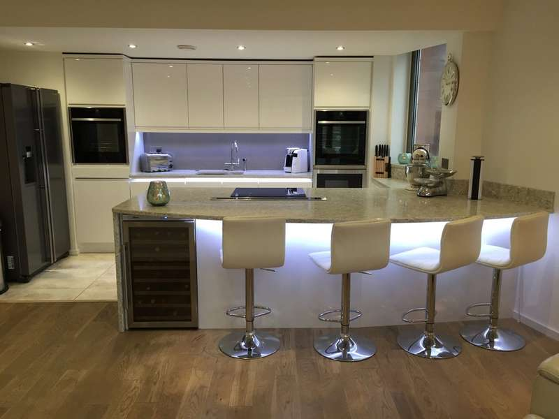 2 Bedrooms Flat for sale in Castlegate, Chester Road