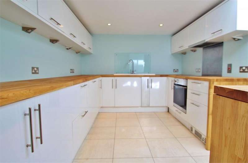 3 Bedrooms Terraced House for rent in Little Western Street, Brighton, East Sussex