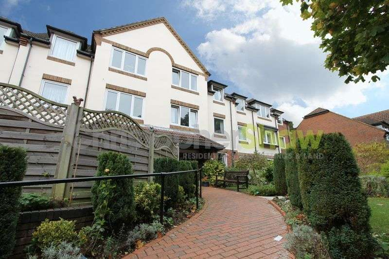 2 Bedrooms Retirement Property for sale in Queens Park West Drive , Bournemouth