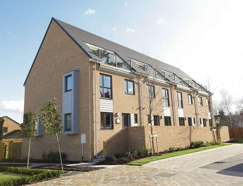 4 Bedrooms Terraced House for sale in Creek Mill Way, Dartford