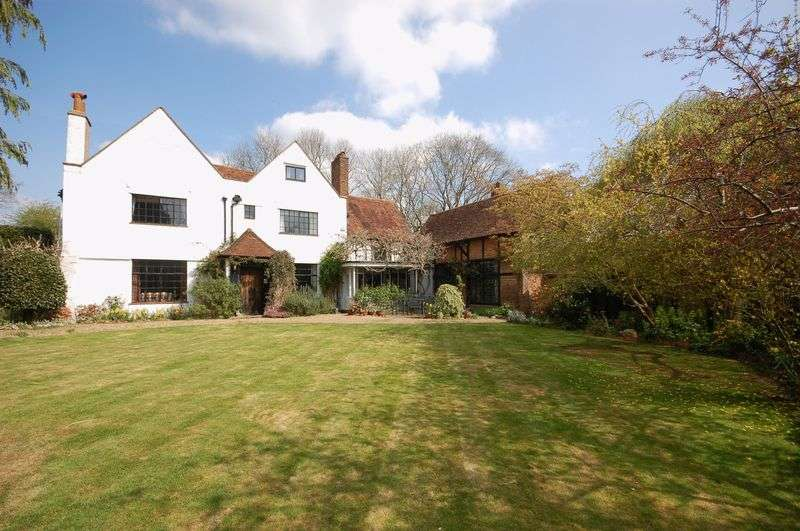5 Bedrooms Detached House for sale in Parrotts Close, Croxley Green, WD3 3JZ