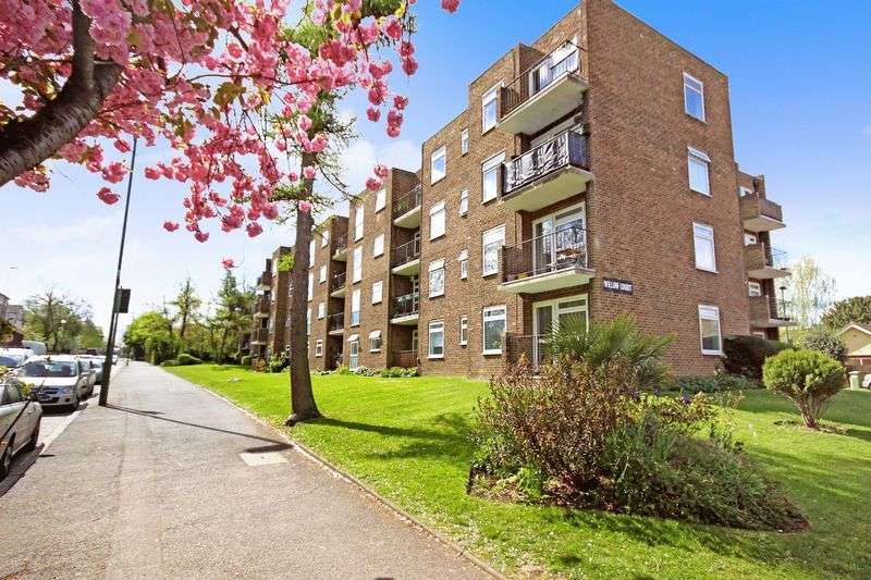 2 Bedrooms Flat for sale in WALLINGTON