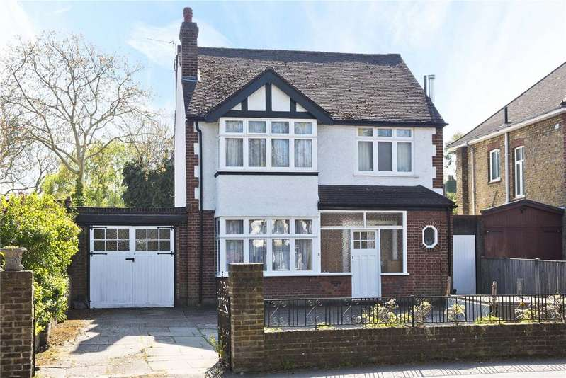 3 Bedrooms Detached House for sale in Hurst Road, East Molesey, Surrey, KT8