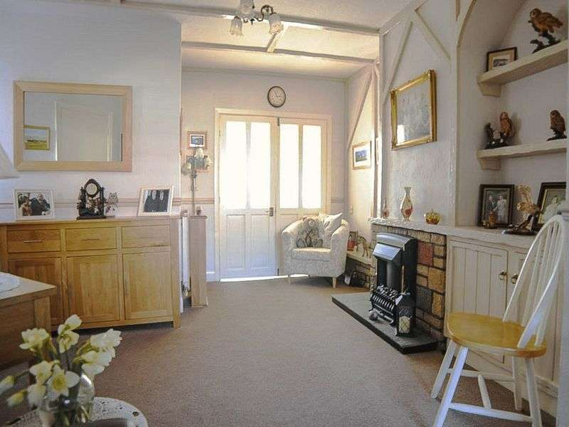 2 Bedrooms House for sale in Lennox Road, Normacot, Stoke-On-Trent, ST3 4JY