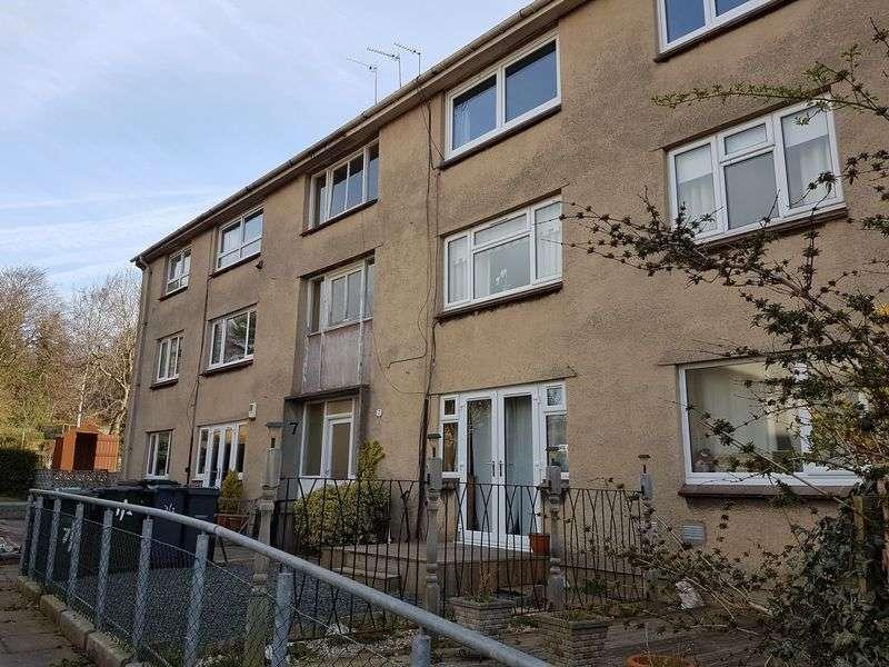 2 Bedrooms Flat for sale in Firrhill Drive, Edinburgh