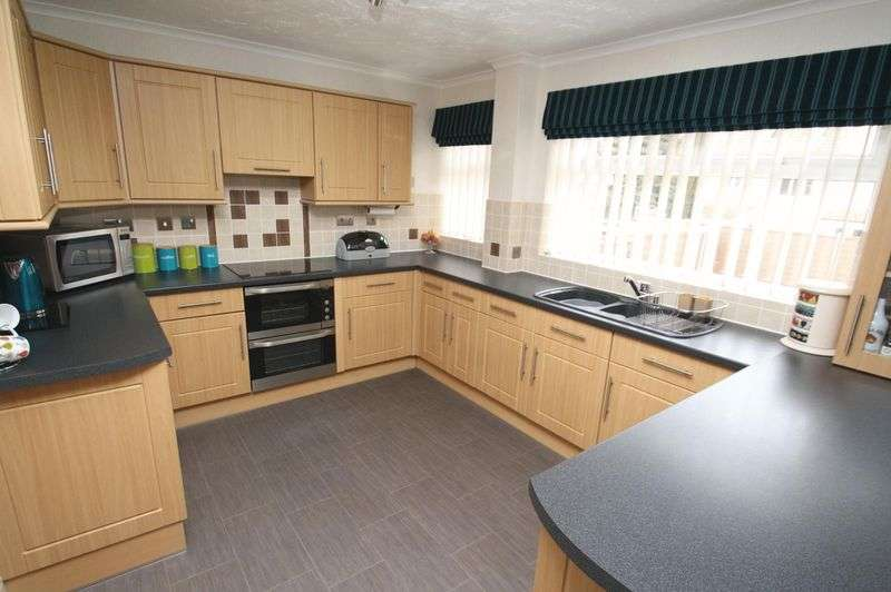 4 Bedrooms House for sale in Woodend, Kingswood, Bristol, BS15