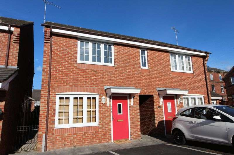 3 Bedrooms Semi Detached House for sale in Royal Drive, Preston