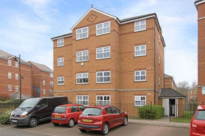 2 Bedrooms Flat for sale in Lisle Close, Tooting Bec