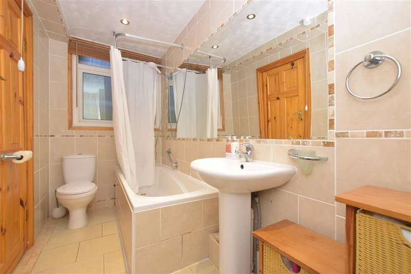 1 Bedroom Ground Flat for sale in Clarendon Road, Southsea, Hampshire